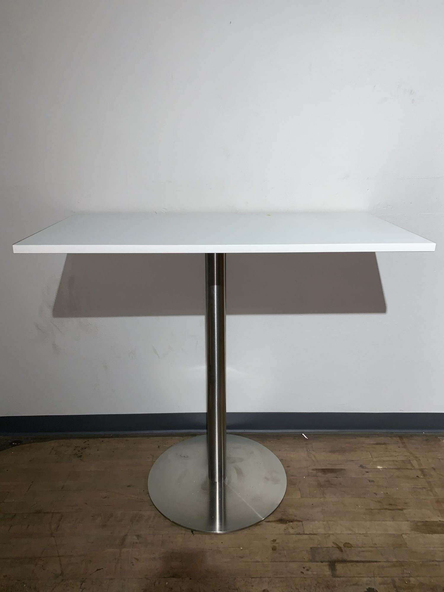 Harmony 41″ High Table Image