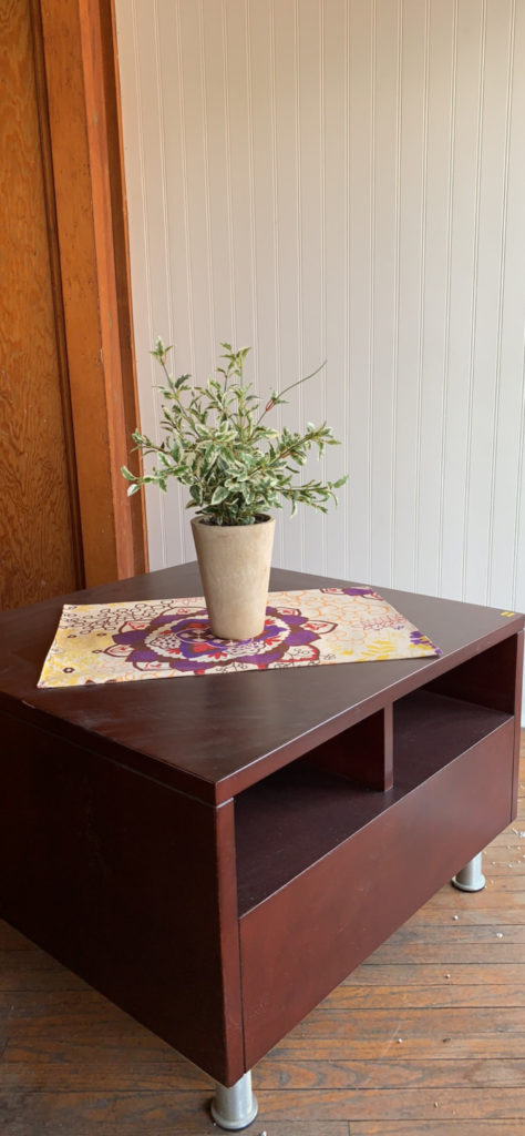 IDEON Side Table Image